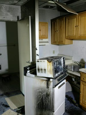 A fire damaged the kitchen of an apartment complex at 2 Creek Road in the Town of Poughkeepsie Sunday morning. Firefighters from several departments, led by Arlington Fire District, were able to stop the blaze from spreading to other apartments.