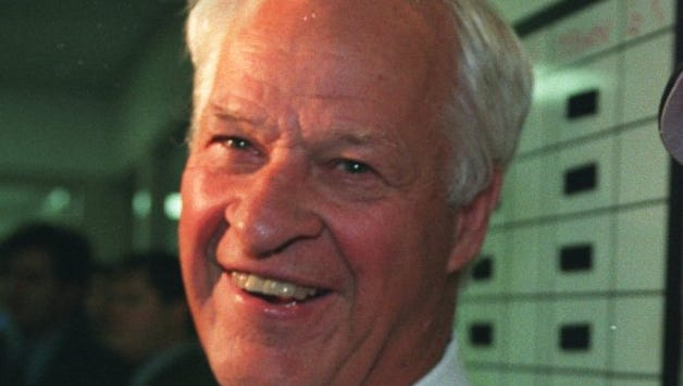 Former Detroit Red Wing Gordie Howe in the Red Wings lockerroom after the Wings beat the Chicago Blackhawks in game 5 of the Western Conference Finals at Joe Louis Arena.  Detroit Free Press photo by Julian H. Gonzalez 6/11/95