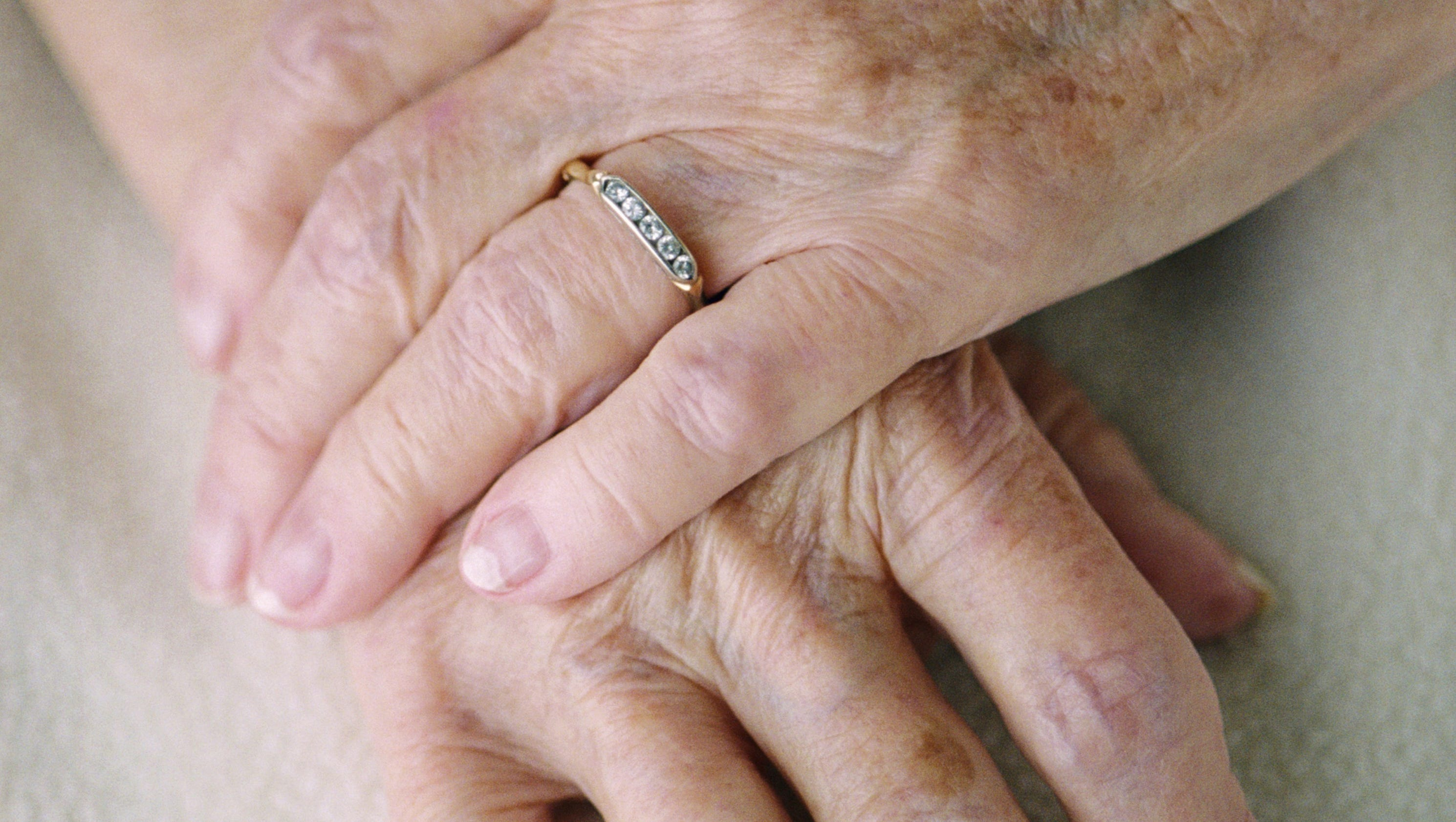 DEATHBED THEFT: Elderly woman\'s wedding ring stolen in hospital