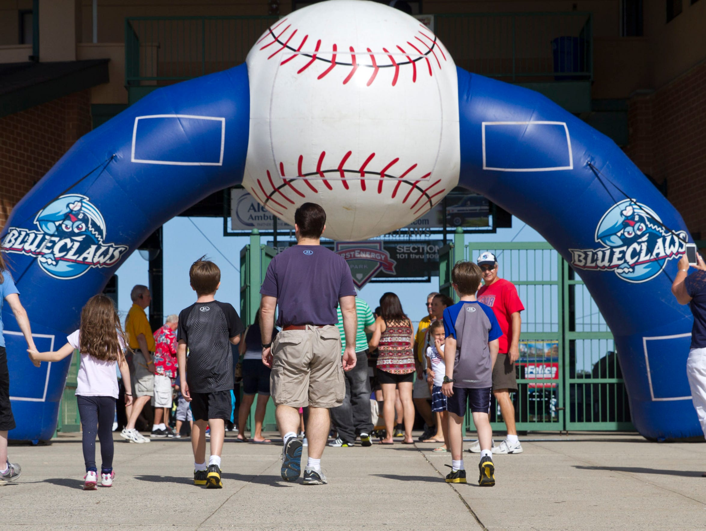 Fans enter the FirstEnergy Park.
