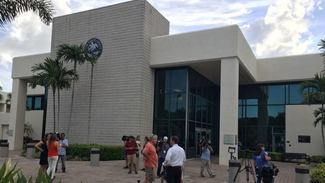 There's no shortage of media at Palm Beach County's North County Government Center  before Tiger Woods' arraignment Aug. 9, 2017.