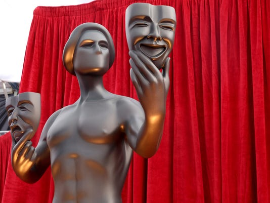 AP 24TH ANNUAL SAG AWARDS - RED CARPET A ENT USA CA