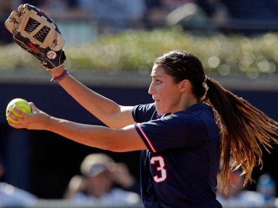 Arizona starting pitcher Danielle O'Toole (3) throws to an Auburn batter on Sunday.
