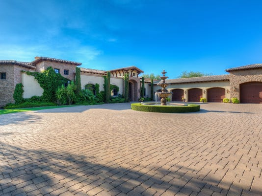 Luxury homes: $3.7m scottsdale mansion has 75 foot lap pool