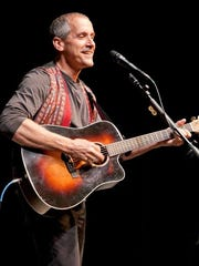 Singer/songwriter David Roth is bringing his unique style of music to St. Cloud, taking audiences on a musical journey that includes humor, storytelling and social justice.