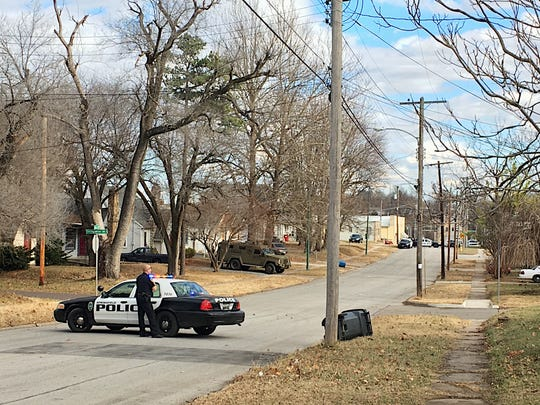 Springfield police are at a standoff near Walnut and Lexington