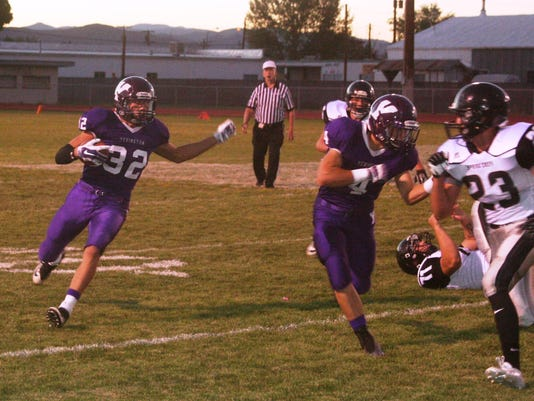 mv0923 YHS FB, Neville run