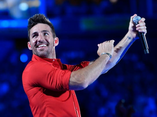 Jake Owen performs at the 2018 CMA Music Fest Friday,