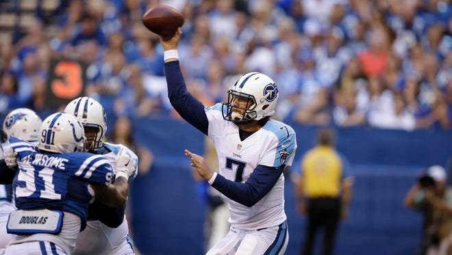Titans quarterback Zach Mettenberger throws against the Colts during the second half.