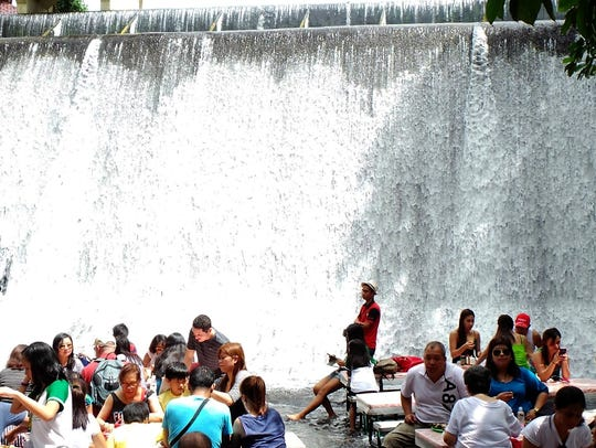 A sumptuous lunch buffet at the foot of a waterfall
