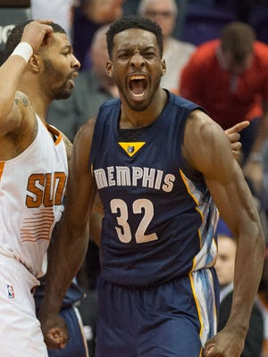 Jeff Green celebrates his late bucket that helped the Grizzlies top the Suns.