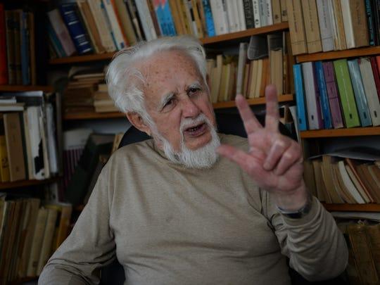 Shalom Lindenbaum, 88, originally from Przytyk, Poland,