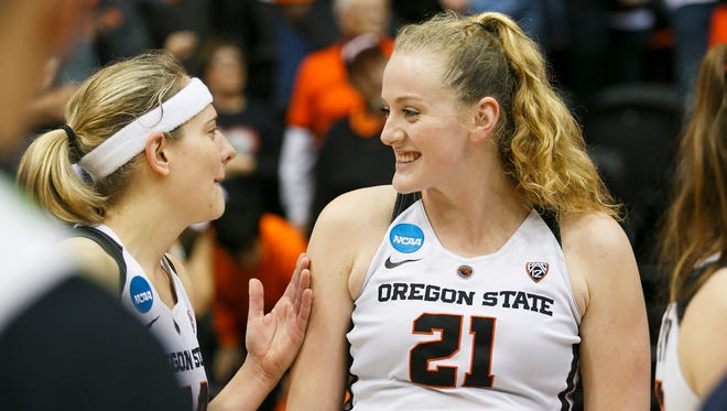 Marie Gulich, right, and Sydney Wiese of Phoenix were Oregon State teammates for three years. Now Wiese is going into her second WNBA season and Gulich is a Phoenix Mercury first-round draft pick.