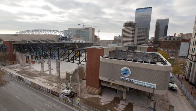 A view from Jefferson Street in downtown Louisville of the renovation work being done at the Kentucky International Convention center. Dec. 1, 2016.