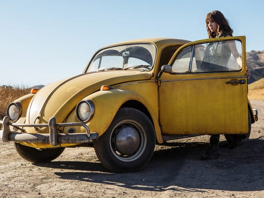 Hailee Steinfeld will transform in 'Transformers' spinoff 'Bumblebee.'