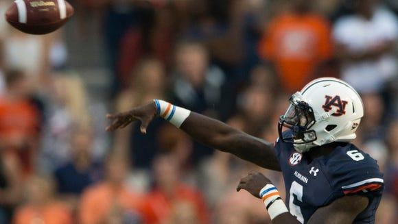 Auburn quarterback Jeremy Johnson (6) throws a pass