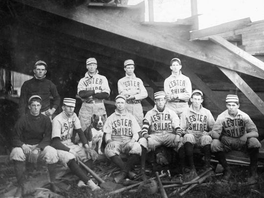The Lestershire baseball team, with George Pierce to