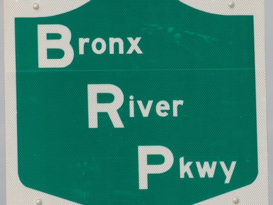 Bronx River Parkway road sign ( Albert Conte / The Journal News, File )