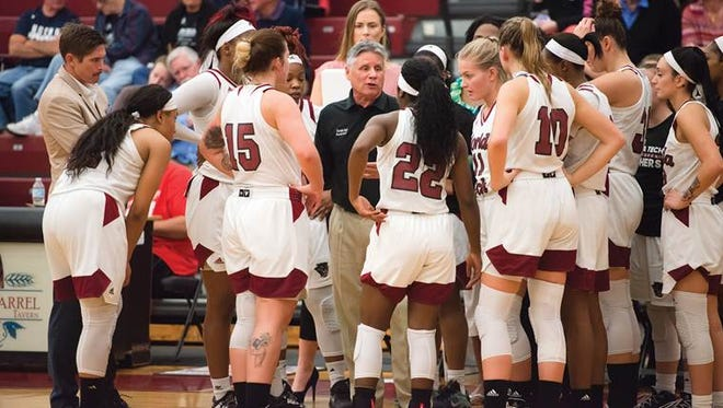 After getting off to a slow start, Florida Tech fell to the University of Tampa,57-38,on Wednesday night at the Bob Martinez Athletics Center.