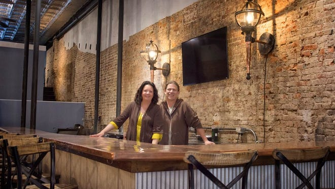 Greg and Theresa Shea are bringing authentic New Orleans cuisine and cocktails to downtown Clarksville.