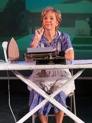 """Cathy Dresbach in """"Erma Bombeck: At Wit's End"""" at Fountain"""