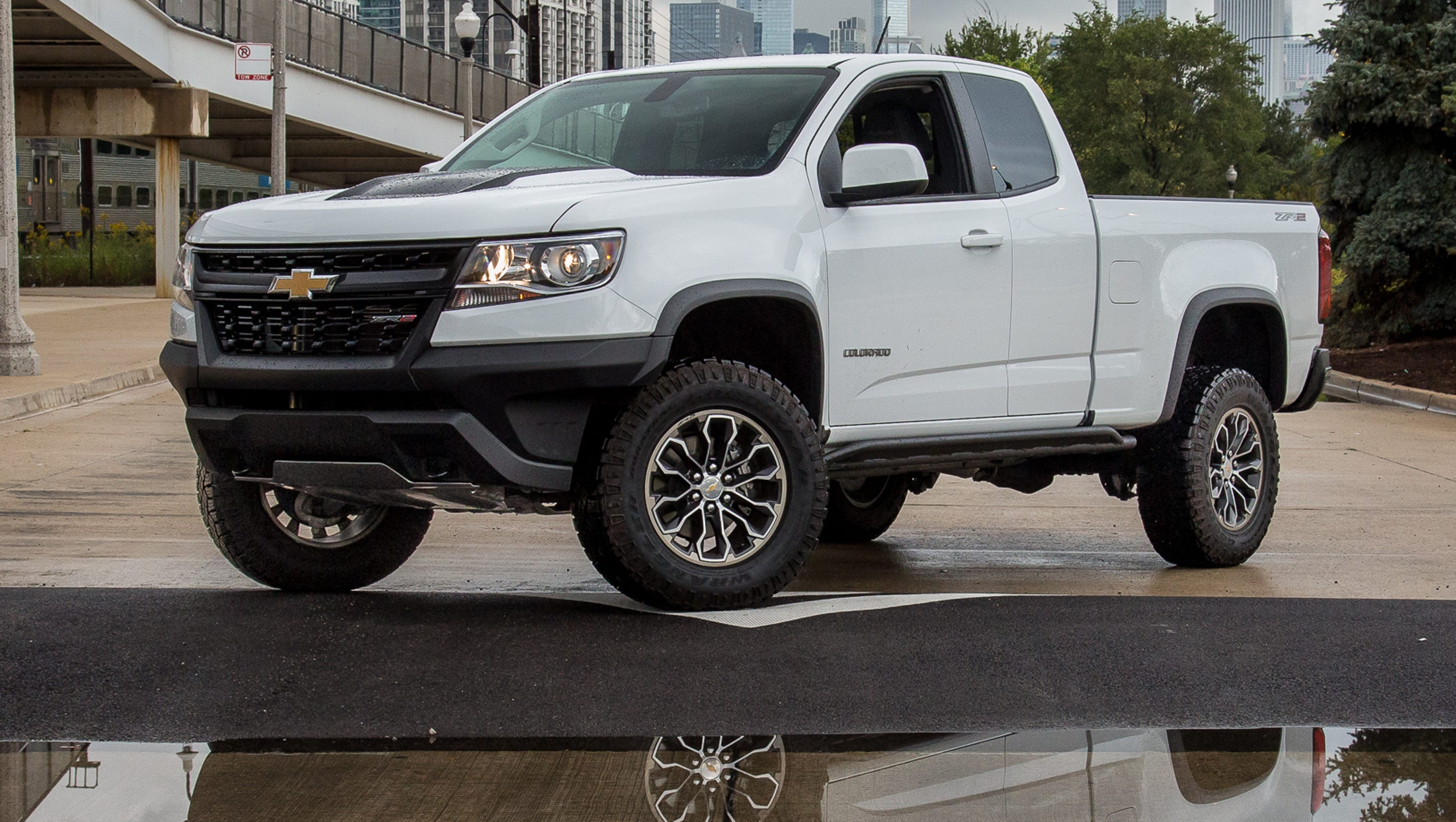 review chevrolet colorado zr2 is off road beast. Black Bedroom Furniture Sets. Home Design Ideas