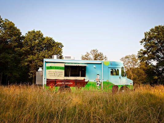 636039235241734444-CINBrd-10-12-2012-Enquirer-1-E005--2012-10-10-IMG-Bones-burger-truck.j-1-1-GU2F87L2-IMG-Bones-burger-truck.j-1-1-GU2F87L2.jpg