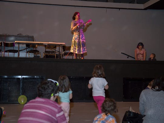 Shana Harvey performs at this Drag Queen Story Hour.