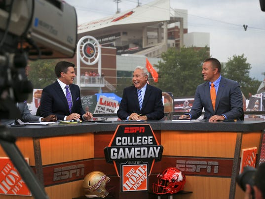 where is espn college gameday this saturday when does college football