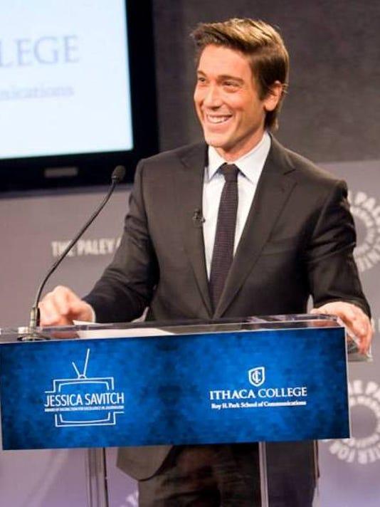 David-Muir-accepting-Savitch-Award-photo.jpg
