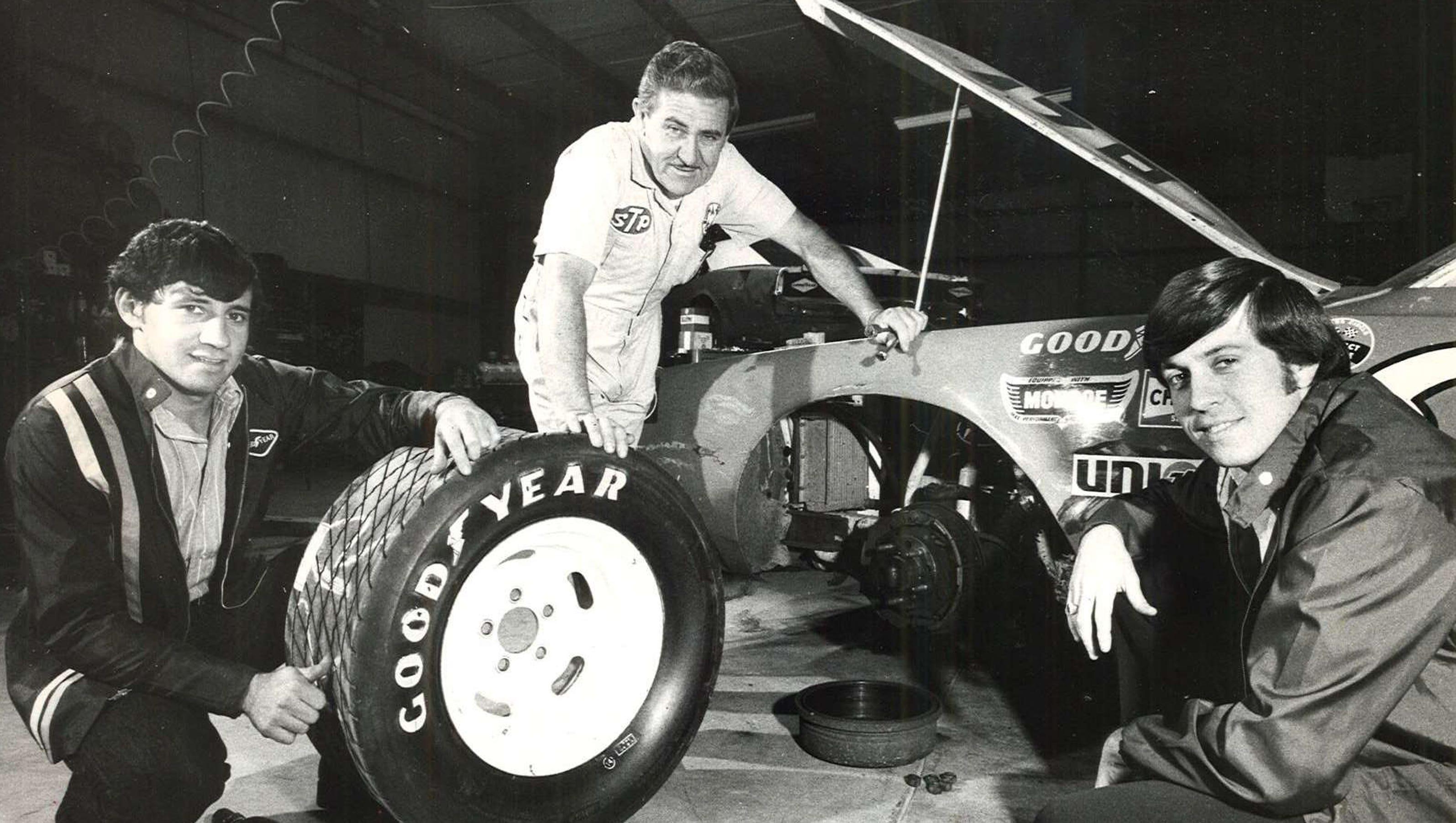 Stock Car Champion Usac Driver Ernie Derr Dies At 92