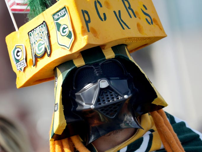 Edgar Reyes dressed for game as the Green Bay Packers