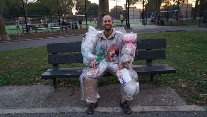 To showcase the amount of trash the average human creates each day, activist Rob Greenfield pledged to wear every single piece of trash he created for 30 days straight.