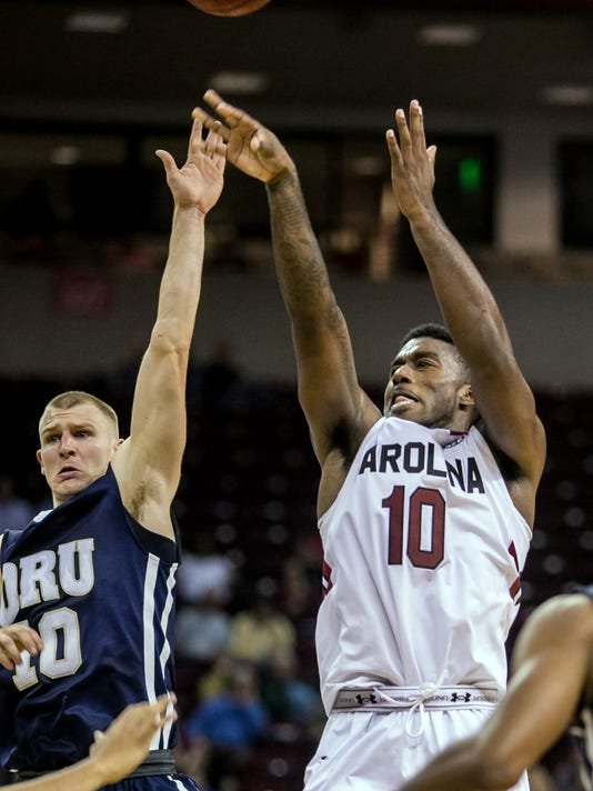 NCAA Basketball: Oral Roberts at South Carolina