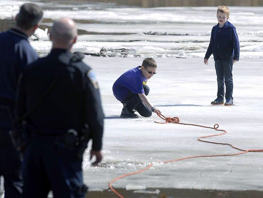 2 Brothers Survive Icy Ordeal On Des Moines River