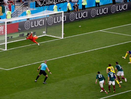 Russia_Soccer_WCup_Mexico_Sweden_01515.jpg