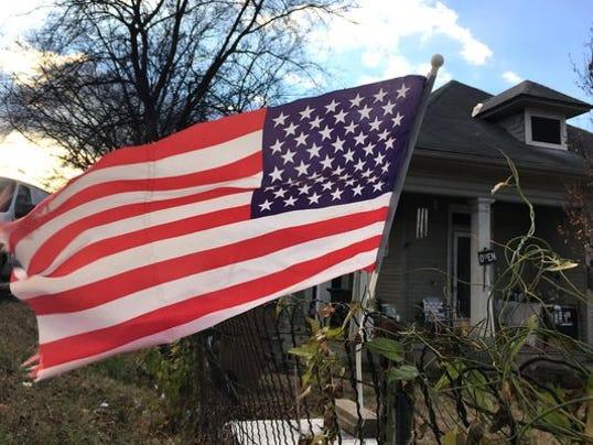 635963201591274618-american-flag.jpg