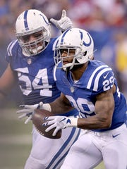 Greg Toler recovers a fumble in 2015.