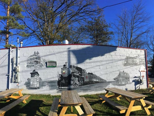 012116-sn-mural-pano.jpg