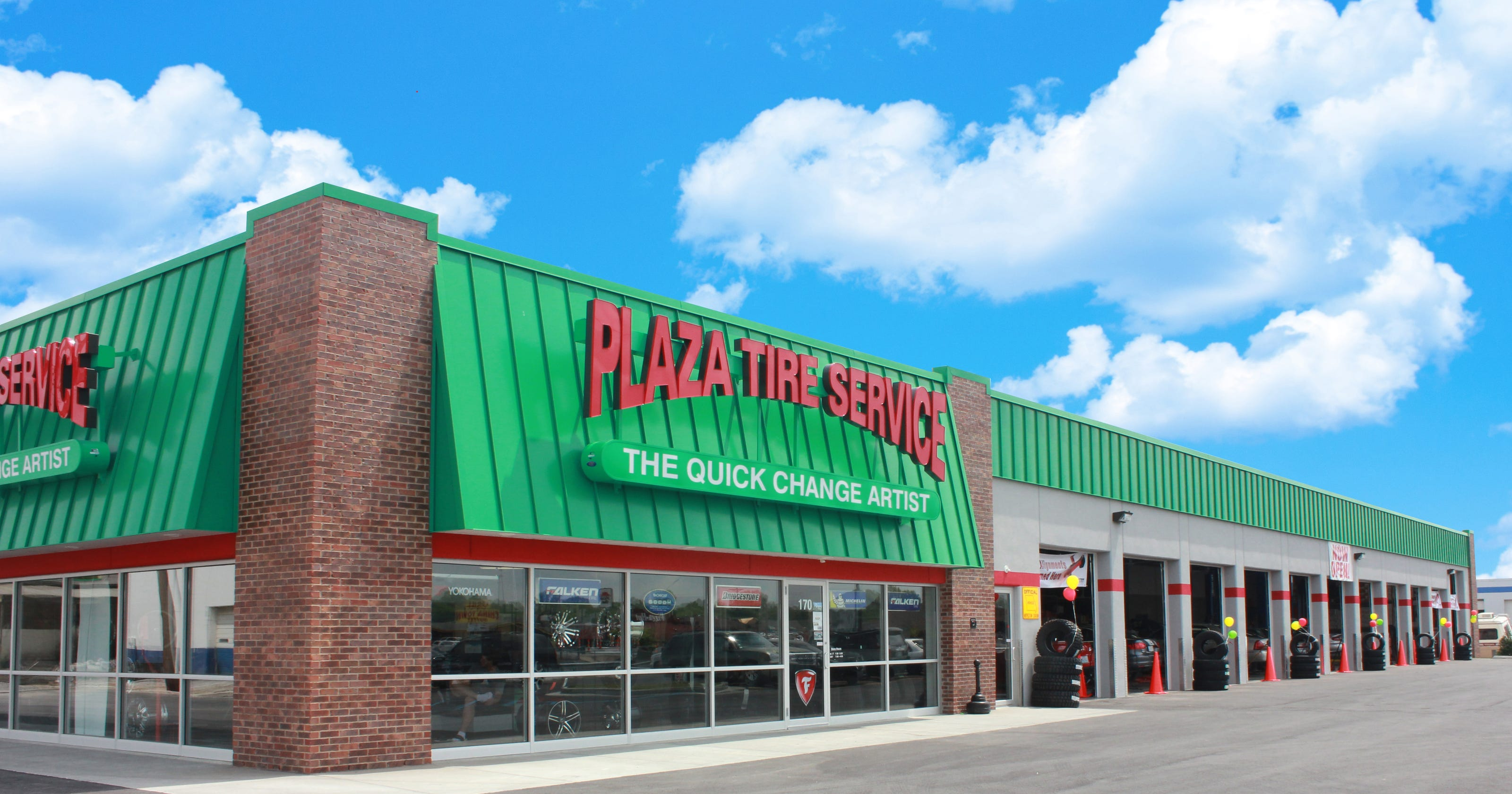 Plaza Tire Service Owners Named 2017 Tire Dealer Of The Year