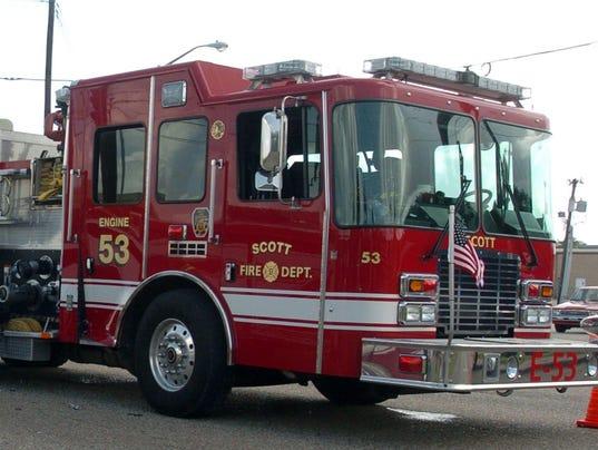 635518190643970129-firetruck