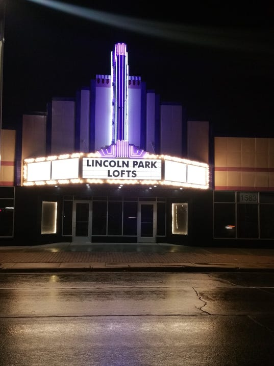Lofts-Marque-Front-Night