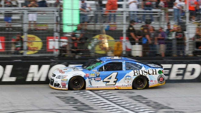 Kevin Harvick crosses the finish line to win Sunday at Bristol Motor Speedway.