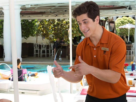 It's thumbs up for the acting career of David Henrie,