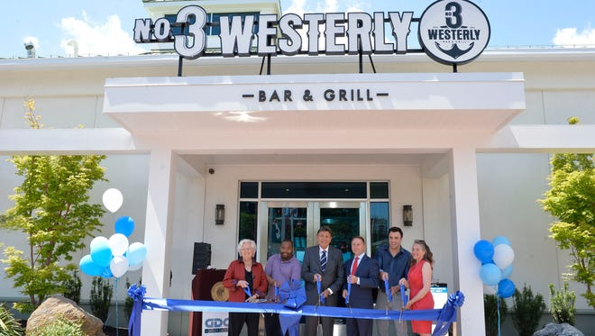 3 Westerly Bar & Grill, a new nautical-themed restaurant located at the Harbor Square luxury rental complex on the Ossining waterfront, recently held its grand opening.