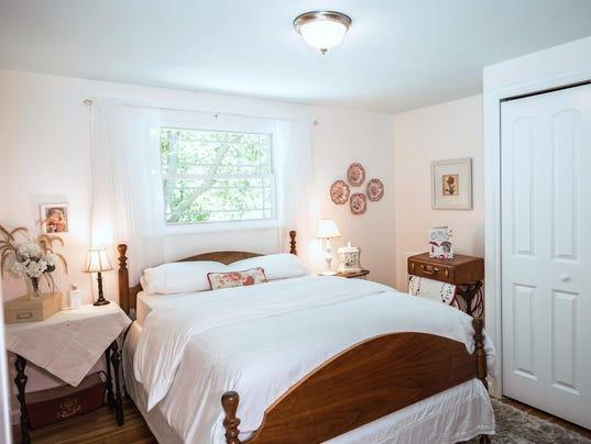 636338252306151300-82-madonna-bedroom.jpg