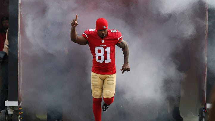 San Francisco 49ers wide receiver Anquan Boldin is introduced before a game against the St. Louis Rams on Jan. 3, 2016.