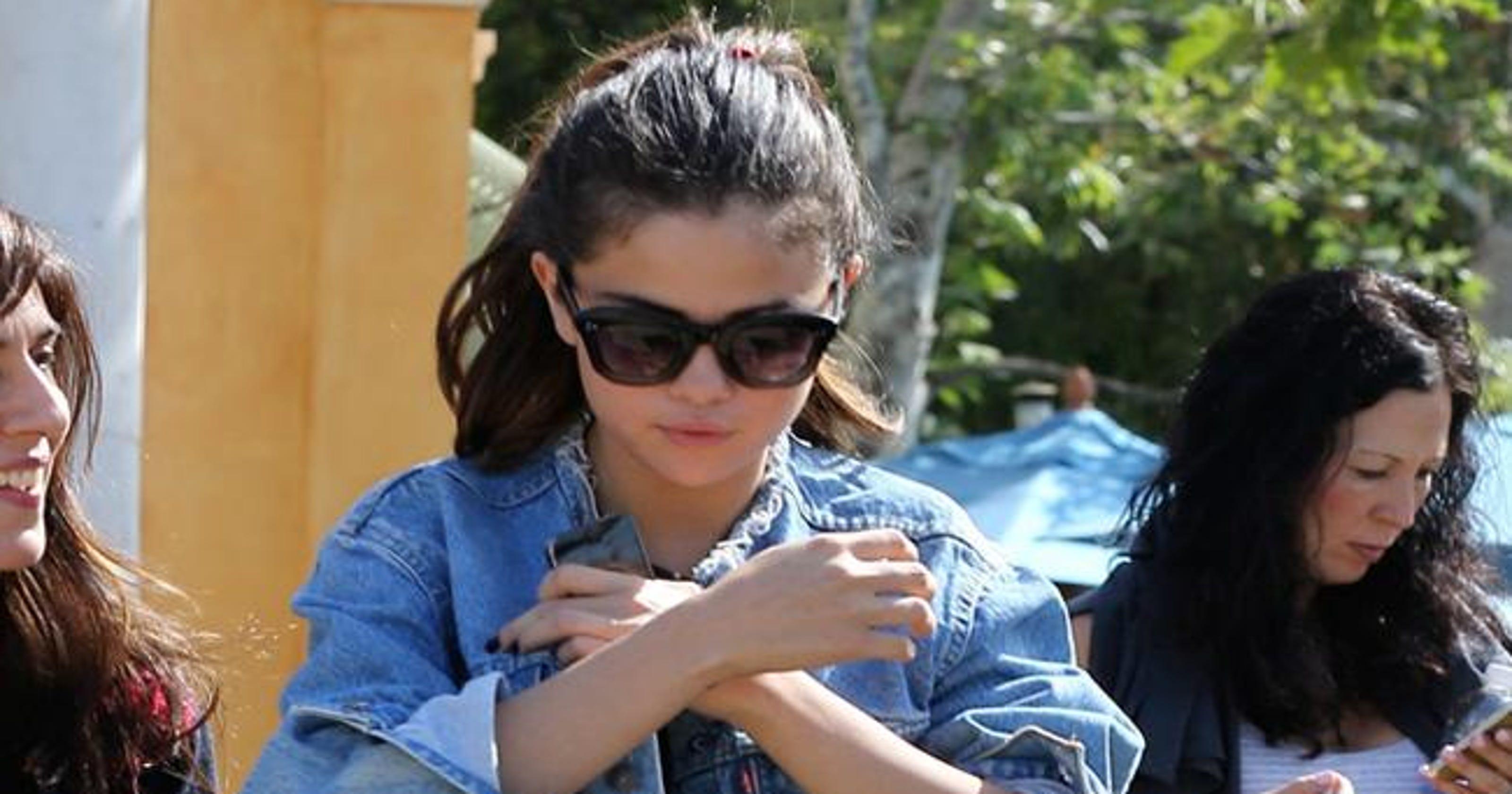 f69f398208 Selena Gomez s grandfather says she has lupus