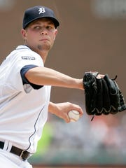 Detroit Tigers starter Andy Oliver pitches against