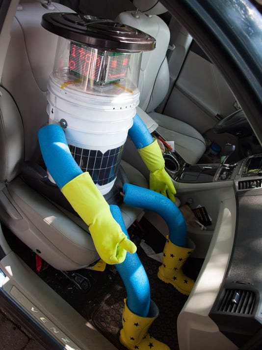 Canada Hitchhiking Robot
